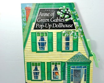 Anne of Green Gables: Pop-Up Dolls House