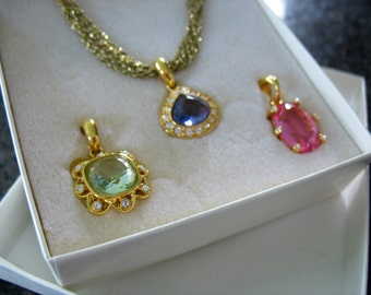 Pendant Necklace Set Nolan Miller Interchangeable Purple Pink and Green Goldtone