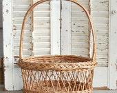 Vintage Basket / Wicker Woven / Wedding Basket /Rustic French Farmhouse