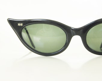 1950s Cat Eye Sunglasses Vintage Womens Sunnies Black Midnight 50s Fifties Cateye Eyeglasses Sunwear Retro Victory USA Mid Century Feline
