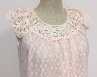 1970s Vintage Night Gown - Pale Pink Eyelet Nightgown - Long Nightie - Pink Lace - Girly Demure Modest - Baby Pink Nightgown - 36 38 Bust