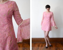 1960s Pink Paisley Mini Dress with Bell Sleeves - S