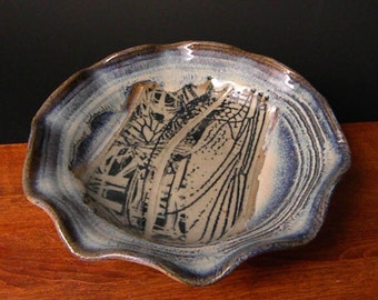 Stoneware Pie Pan Plate  ~ Abstract Dragonfly Wing & Grass Design ~