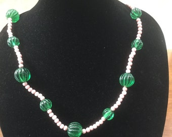 Vintage Chunky Green Glass Bead Coral Bead Necklace