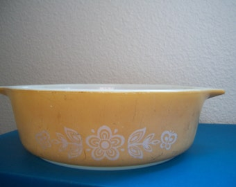 Vintage Pyrex Butterfly Gold - small Cinderella cassorole dish