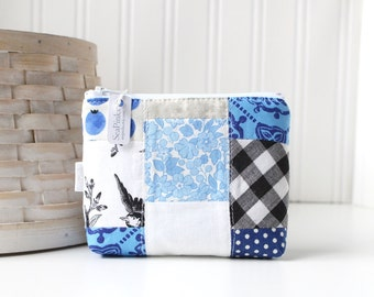 Blue Patchwork Coin Purse Gift Card Credit Card Holder Black and White Zipper Pouch Floral Change Purse