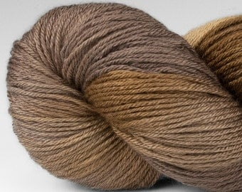 Yarn, Handpainted Merino Silk 50/50, Fingering Wt, Alight, 100 g, Flicker Colorway