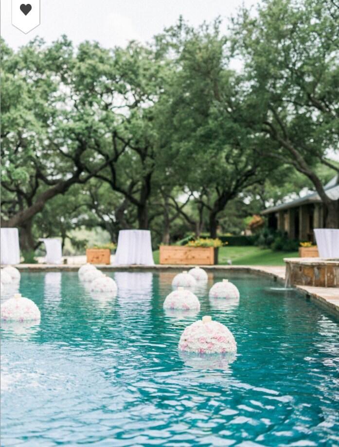 Wedding pool floating pomander with candle set of 10 Floating candles swimming pool wedding