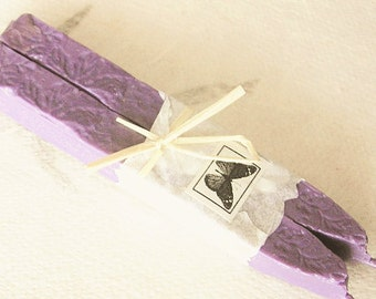Natural sealing wax PALE LAVENDER Periwinkle 2 sticks seal wax for stamps, non-toxic, ECO plastic-free, gift-wrapped
