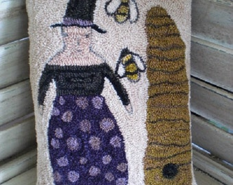 Bee Witched Punch Needle Pillow Tuck