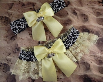 Racing Light Yellow Satin Light Yellow Lace Flag Charms Wedding Garter Bridal Toss Set