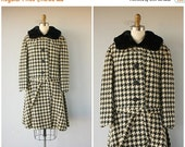 25% OFF SALE... Vintage 1960s Coat | 60s Coat | Houndstooth Coat | Wool 60s Coat | Fur Collar Coat | Vintage Winter Coat