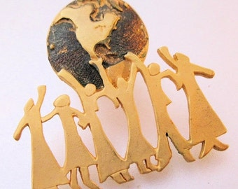 15% OFF SALE Vintage We Are The World Peace Pin Brooch Enamel Costume Jewelry Jewellery