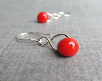 Poppy Red Dangles Silver, Bright Red Earrings, Silver Infinity Earrings Red Glass, Sterling Silver Earrings, Lampwork Earrings, Silver Wire