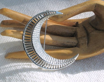 50s Sarah Coventry Crescent Pin Brooch Silvertone Moon Vintage Costume Jewelry