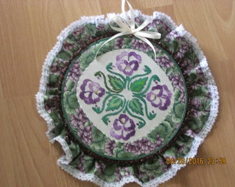 Hawaiian Pansy Motif Wall Hanging, Embroidered by  Marianne of Maui