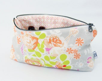 Classic Essential Oil Case - Sweet as Honey - 14 bottles - cosmetic bag zipper pouch essential oil bag project