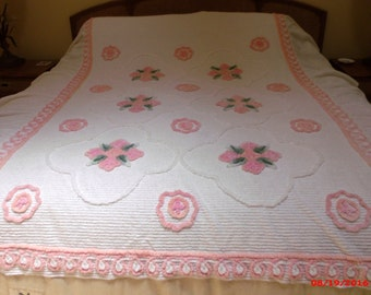 Vintage Cottage Chic Pink Rose White Chenille Bedspread