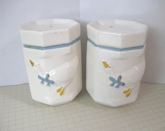 Vintage Ceramic Ducks/Geese Salt and Pepper Set