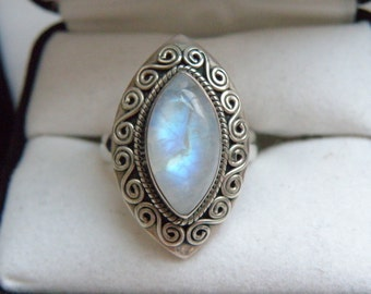 Vintage Balinese Bali Sterling Silver 925 Rainbow Moonstone Elongated Knuckle Style Ring Size 7