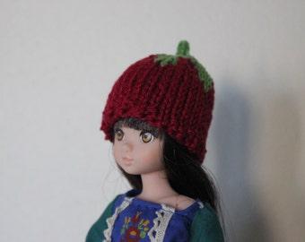 Cute Lingonberry hat for Ruruko, Momoko, Barbie or other small headed doll