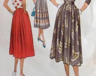 Vintage Skirt Sewing Pattern  McCalls 8296 Waist 26