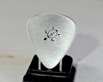Sea turtle guitar pick handmade in aluminum for peace and tranquility in your music - GP909