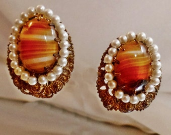 Vintage Banded Agate and Faux Pearl Earrings.  Glass Brown Agate and Pearl Clip Earrings.