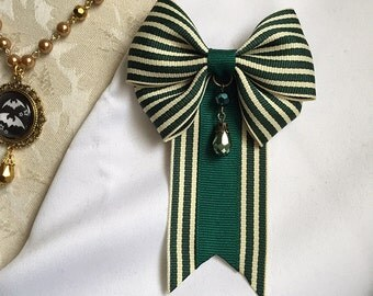 Victoria's Favor Bow Ribbon Pin Emerald Green Stripe