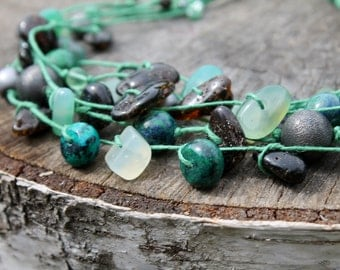 Emerald Green Necklace Chrysocolla Moss Agate Bottle Green Mint Chocolate Natural Stone Jewelry