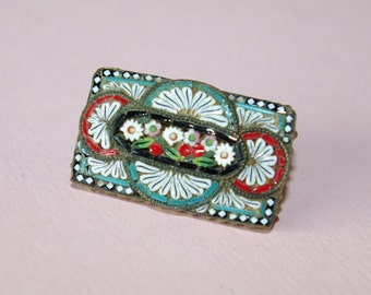 Very pretty 1890 Victorian micro mosaic pin brooch