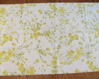 Vintage Pillowcase by Springmaid - Yellow Flowers - Standard Size - 50/50 Cotton Poly Blend - No-Iron Muslin
