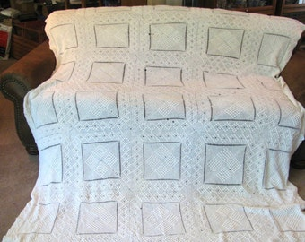 Vintage Bedspread - Gorgeous Hand Crochet  w Popcorn Accents - 78 W x 104 L - Off White - Mid Century -  Great Condition -