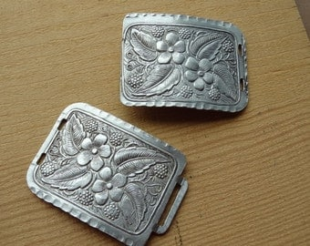 Vintage Large Clasp. Buckle. Flower. Dogwood. Berry. Leaf. Hammered. Belt Buckle or Clasp Closure. Etched. Engraved Vintage Jewelry