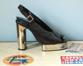 1970s patent leather platform disco heels / 70s black leather and silver heels / Pancaldi disco pumps