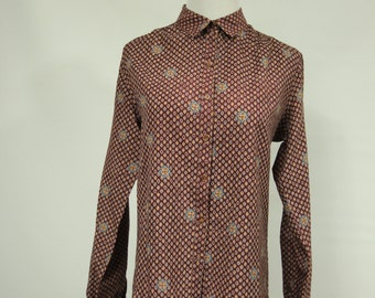 Amazing Womens Size sm/med Vintage Patterned Button-up