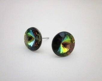 Medium Vitrail Earrings -- Swarovski Earrings -- Rainbow Stud Earrings -- Multi Color Earrings -- Colorful Stud Earrings -- Vitrail Earrings