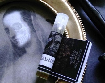 Ghosts & Haunts Sample Vial Natural Fall Perfume  Cedarwood , Apple, Chamomile,Honey,Juniper,Frankincense, Spikendard, Sandalwood