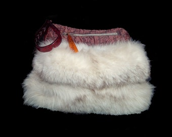 1940s fluffy white grey fox fur & silk satin muff ~ carved tested rootbeer tested bakelite handle / zipper pull ~ wristlet hand warmer
