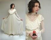 Boho Wedding Dress  //  70s Wedding Dress  //  LE TROUSSEAU