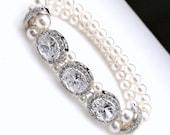 Wedding jewelry bridal bracelet bridal jewelry Clear white halo oval cubic zirconia with swarovski white cream round pearl stretch bracelet
