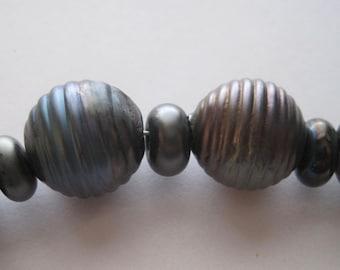 GROOVED ROUNDS -  Black Metallic - 10 Handmade Lampwork Glass Beads - Inv124-D2