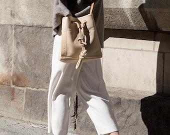 Nude leather Bucket Bag- Nude shoulder bag- Everyday handbag- Minimalist - Crossbody bag- Classic- Handmade- Front pocket with zip