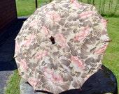 SALE Vintage fabric parasol/ Art Deco parasol/ 1920 1930 parasol/ 1930 floral print fabric parasol/ vintage wooden parasol/beach parasol
