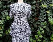 ON SALE Vintage 80s / Black and White / Giraffe / Peplum / Short Sleeve / Day Dress / SMALL