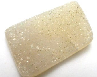 Quartz Druzy Cabochon Calcedony Designer Cut Organic Free Form Shape One of a Kind Natural Material White Clear Translucent Jewelry Pendant