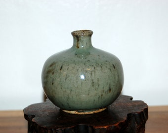 NW studio pottery Beautiful Sage Glazed Weed Pot / Onion Pot  SPURLOCK ~ OREGON Potter ~ student of Glen Lukens, Arthur Baggs & Ray Grimm
