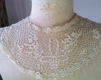 Antique Lace, 18C French Honiton Silk Lace Collar / Stunning Antique Wedding / Bridal Wear / OOAK