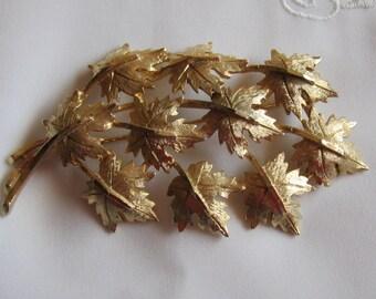 Vintage Gold Tone Ten Leaf Brooch