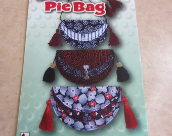 Moon Pie Bag Pattern by Black Cat Creations, Small bag made with 3 fat quarters